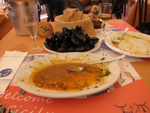 Oh. my. yes. missjunebug's mussels were delicioso! Photo by mjb2011